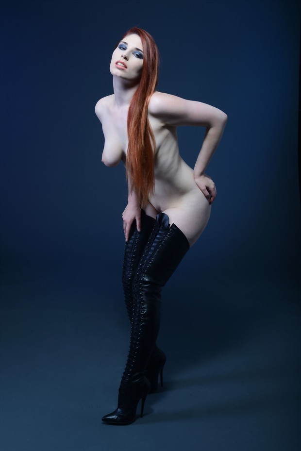 Erotic Fetish Photo by Model Roswell Ivory
