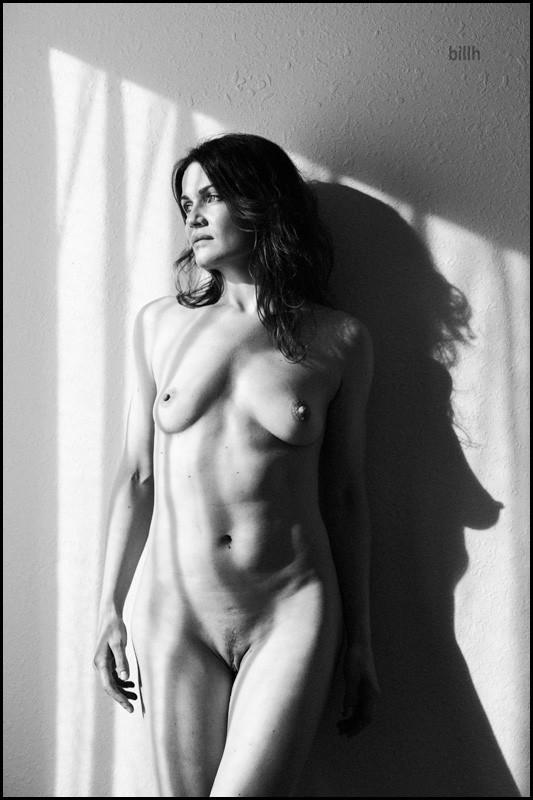 Erotic Figure Study Photo by Model Ine
