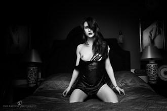 Erotic Implied Nude Photo by Model Peliroja