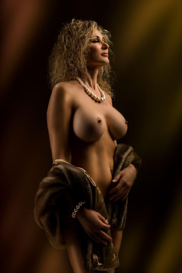 Erotic Sensual Photo by Model Sirsdarkstar