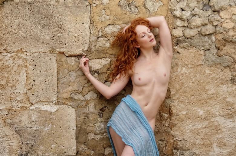 Escarpe bleue Artistic Nude Photo by Photographer Karen Jones