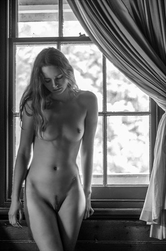 Evelyn Artistic Nude Photo by Photographer Keith Persall