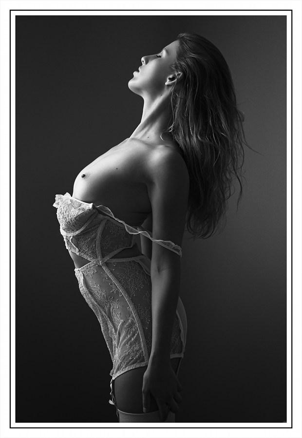 Expos%C3%A9e Artistic Nude Photo by Photographer Aur%C3%A9lien PIERRE