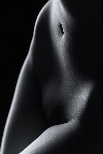 F E M M E Artistic Nude Photo by Model A N O N Y M