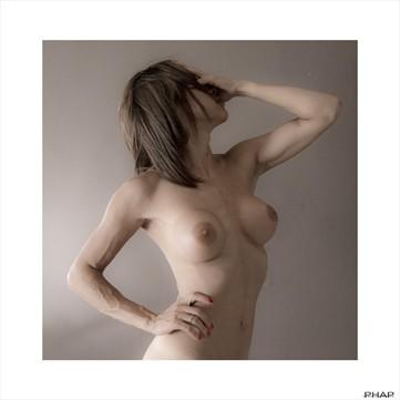 Faceless Artistic Nude Artwork by Photographer Studio Phap