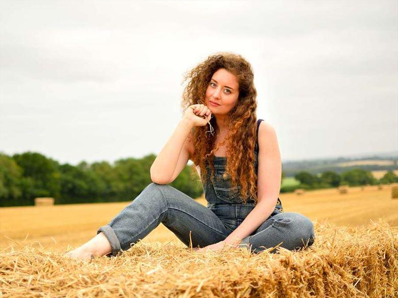 Fashion Portrait Photo by Model Ella Rose Muse