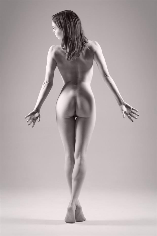 Fawnya Artistic Nude Photo by Photographer Daniel Hubbert