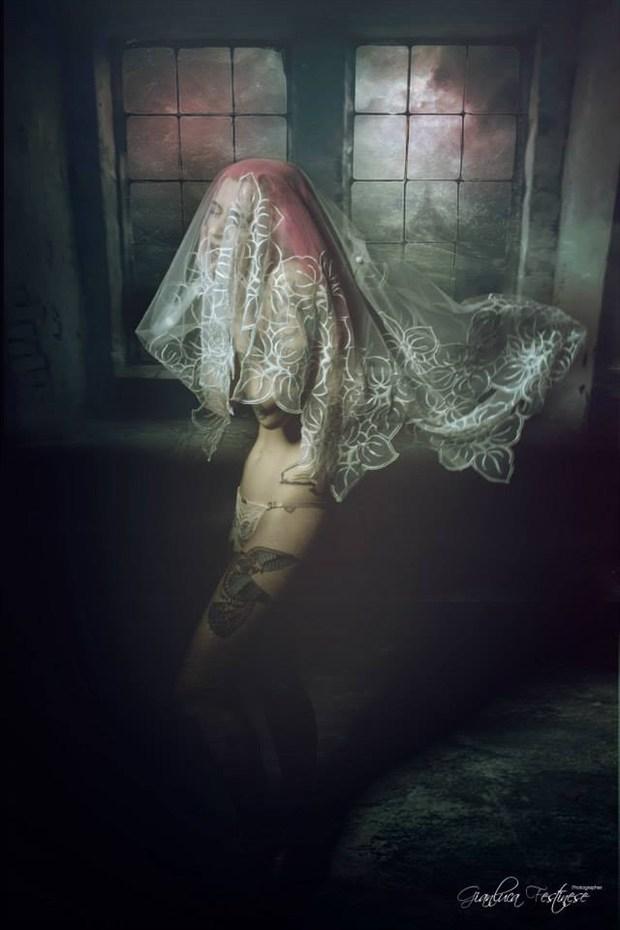 Fear of the dark Artistic Nude Artwork by Artist Gianluca Festinese