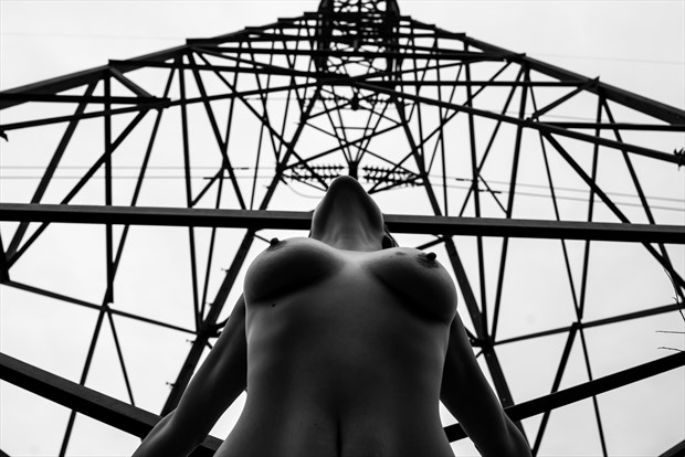 Feminine power Artistic Nude Photo by Photographer DaveMylesPhotography