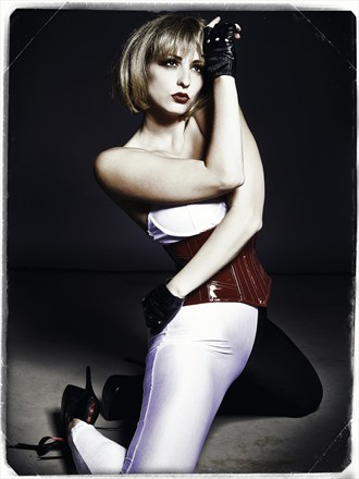 Fetish Glamour Photo by Model Carlotta Champagne