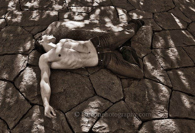 Figure Study Natural Light Photo by Photographer humon photography