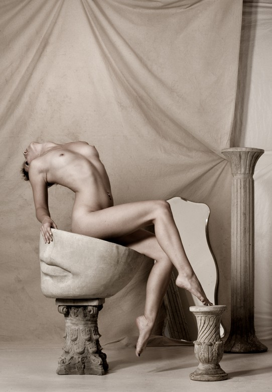 Figure on pedastal  Artistic Nude Photo by Photographer Thomas Sauerwein