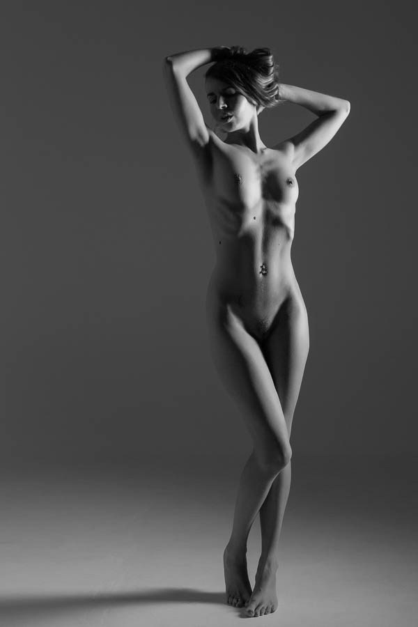 Figurine Artistic Nude Photo by Model brunutty