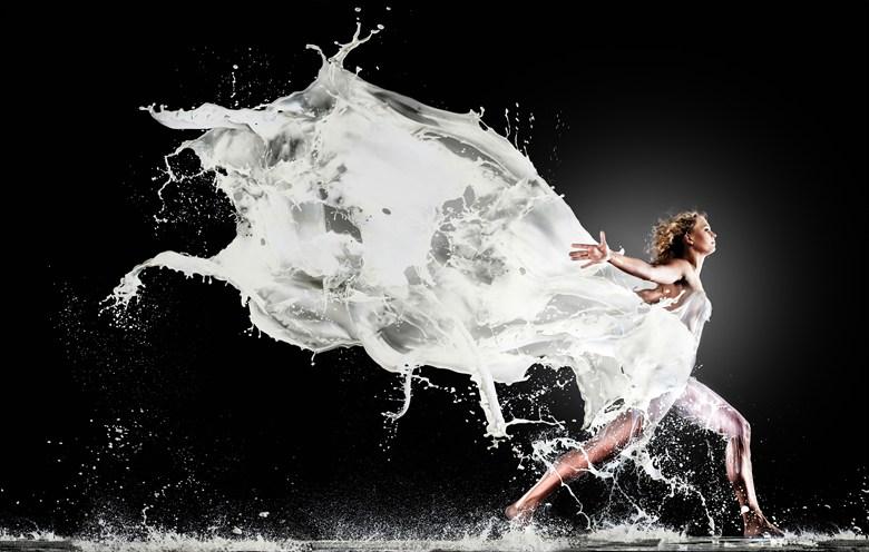 Finish the Milk Fashion Artwork by Photographer Edwin van Wijk
