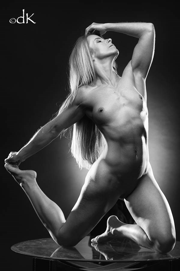 Fitness Artistic Nude Photo by Photographer dennis keim
