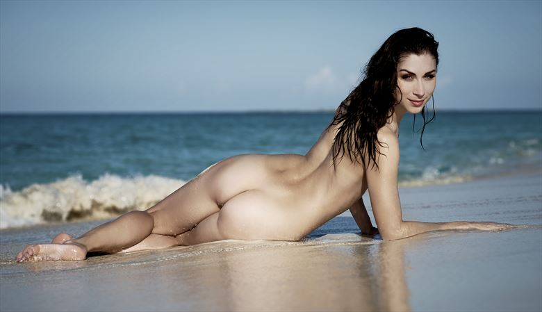 Floofie in the sand Artistic Nude Photo by Photographer StromePhoto