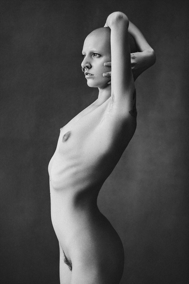 Focus Artistic Nude Photo by Model Talli Lyndsey