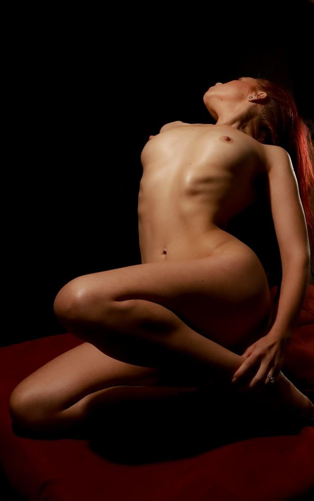 Fold Artistic Nude Photo by Model Aurora Red