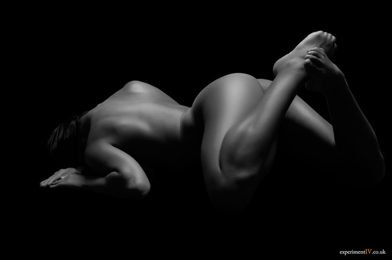 Form Artistic Nude Photo by Photographer Terry King