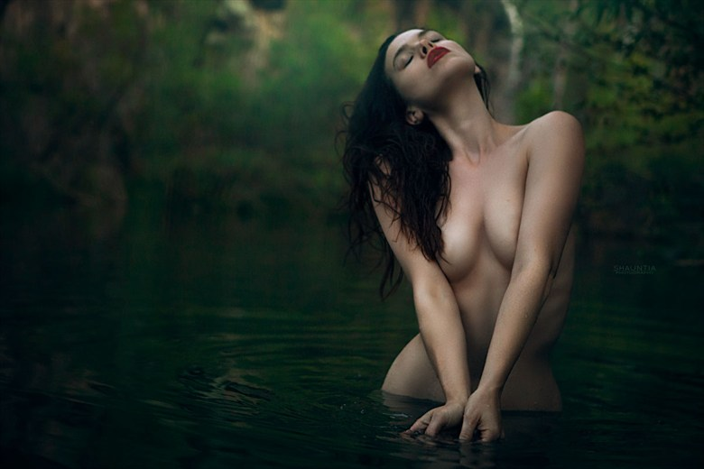 Fossil Creek Artistic Nude Photo by Model Shaun Tia