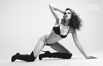 Four Ways Lingerie Photo by Model Shaun Tia