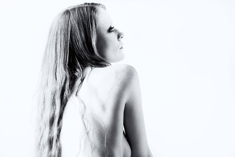 Freckled Artistic Nude Photo by Model Constantine Snow