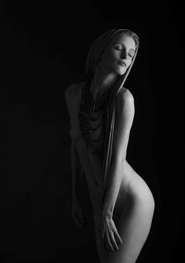 Fredau   edge light Artistic Nude Photo by Photographer Randall Hobbet