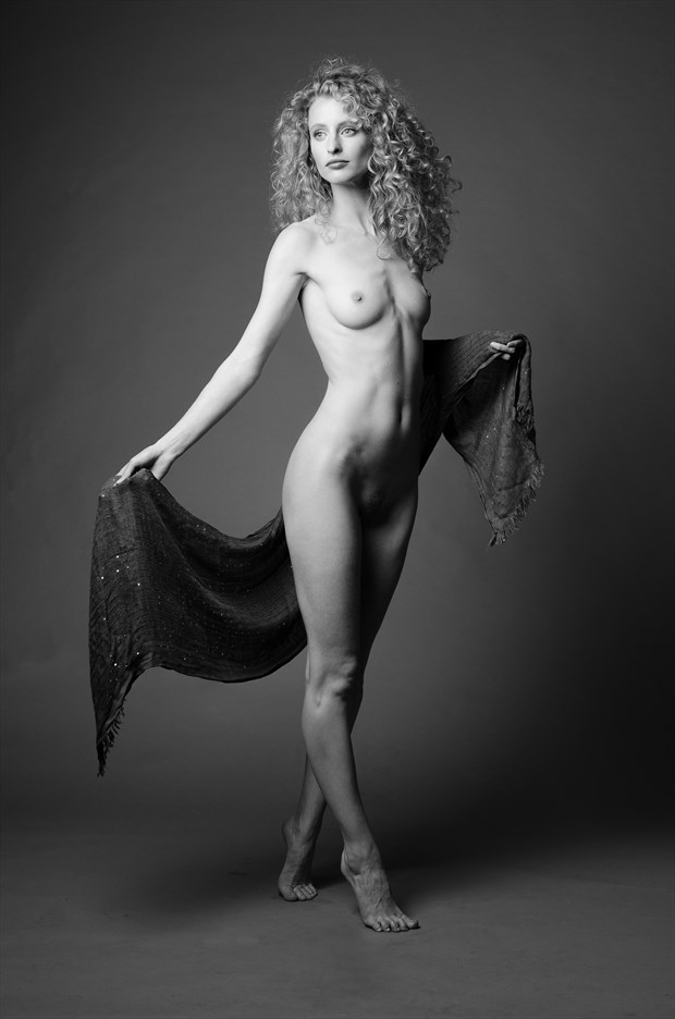 Fredau Artistic Nude Photo by Photographer AndyD10
