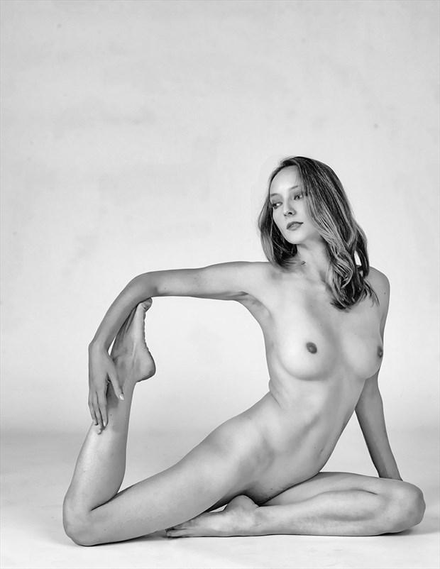 Geometry Artistic Nude Photo by Model Ciryadien