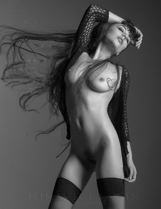 Gestalta Artistic Nude Photo by Photographer Rik Williams
