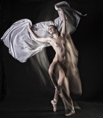 Ghost dancer Artistic Nude Photo by Model Rose Valentina