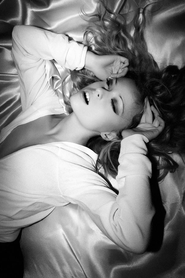 Glamour Chiaroscuro Photo by Model Jessica de Virgilis