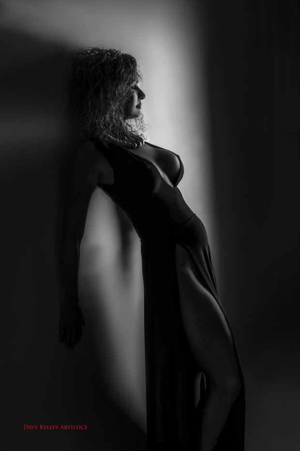 Glamour Chiaroscuro Photo by Model Sirsdarkstar