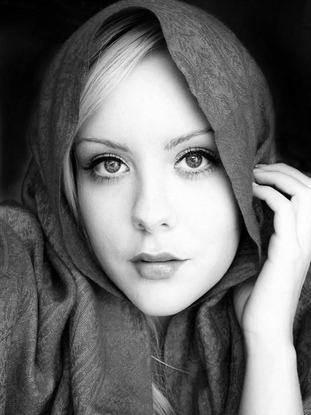Glamour Expressive Portrait Artwork by Photographer rawshotz