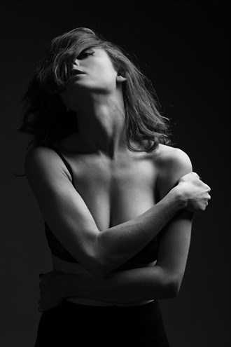 Glamour Implied Nude Photo by Photographer talflint