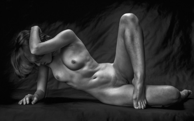 Gold in Mono Artistic Nude Photo by Photographer rick jolson