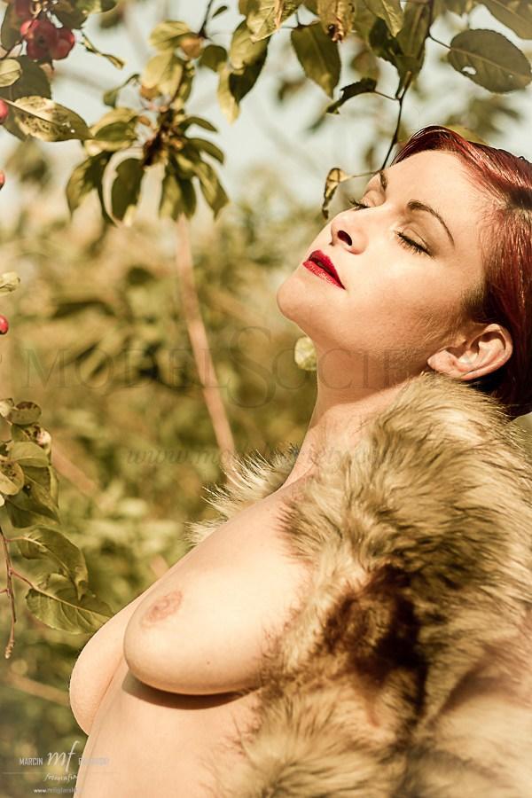 Golden Laura Artistic Nude Photo by Photographer mfiglarski