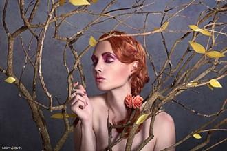 Golden Tree Beauty  Sensual Photo by Model BloodyBetty