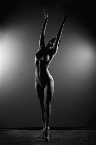 Grace Artistic Nude Photo by Photographer Antonia Glaskova