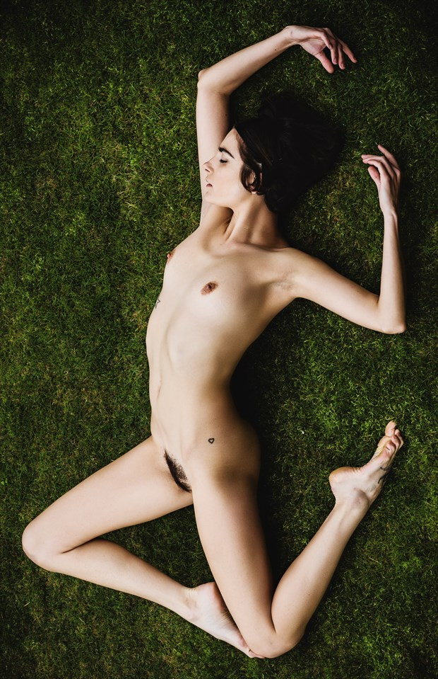Grass Ballet Artistic Nude Photo by Photographer GerardChillcott