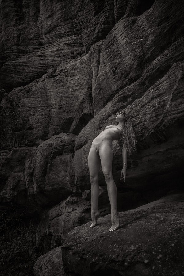Great Wall Artistic Nude Photo by Model AingealRose