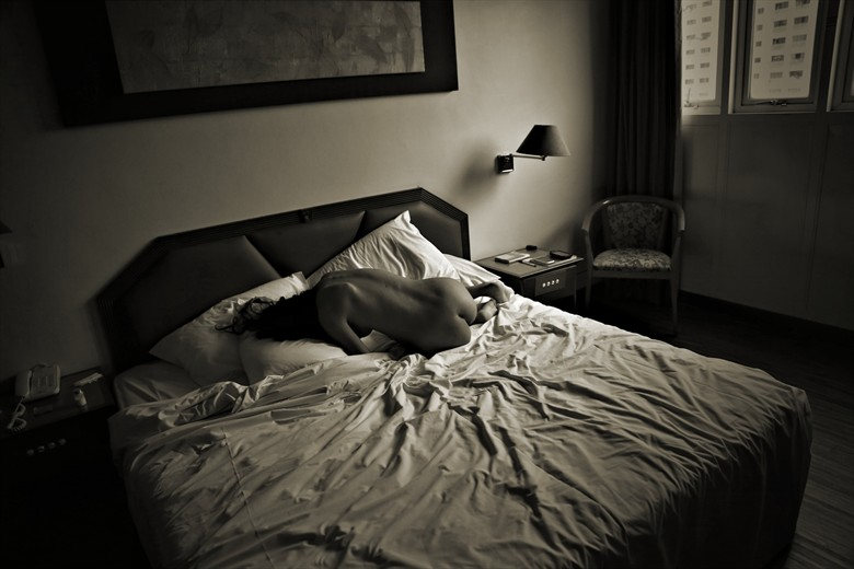 Guest Room Artistic Nude Photo by Photographer David Winge