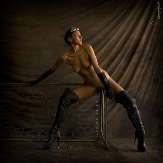 Hard steel Artistic Nude Photo by Photographer eye4you.ch