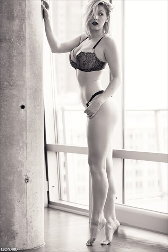 Helena Lingerie Photo by Photographer LEONARD Photography