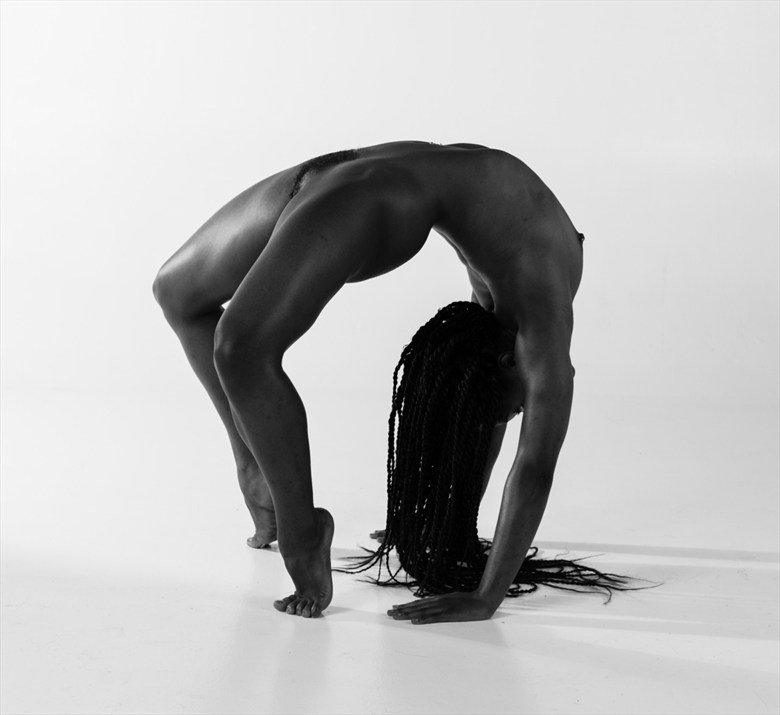 Hey look! I'm an end table! Artistic Nude Photo by Model QUINTESSENCE