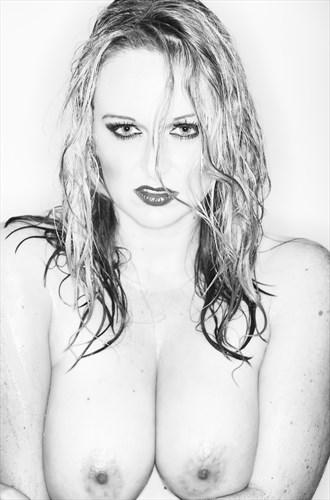 High Key Glamour Portrait Erotic Photo by Model Kelly_Kooper