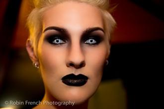 I C U Close Up Photo by Photographer Robin French