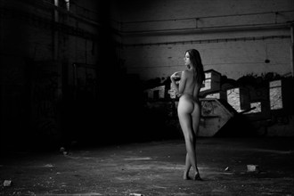 I don't care Artistic Nude Photo by Photographer Carl0sDennis