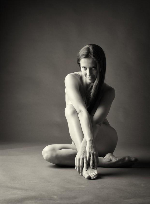 IS. 16 Implied Nude Photo by Photographer erozman