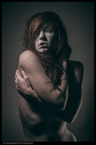 Implied Nude Photo by Model chrissiered